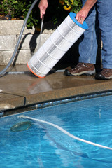 WHY DO-IT-YOURSELF POOL CLEANING ISN'T ALWAYS A GOOD IDEA